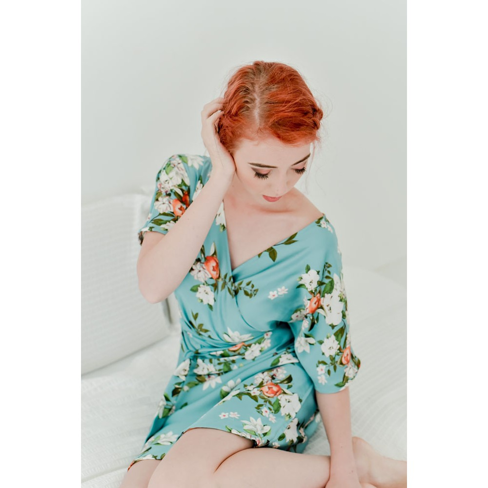 Little Lace Sage Daisy Floral Robe