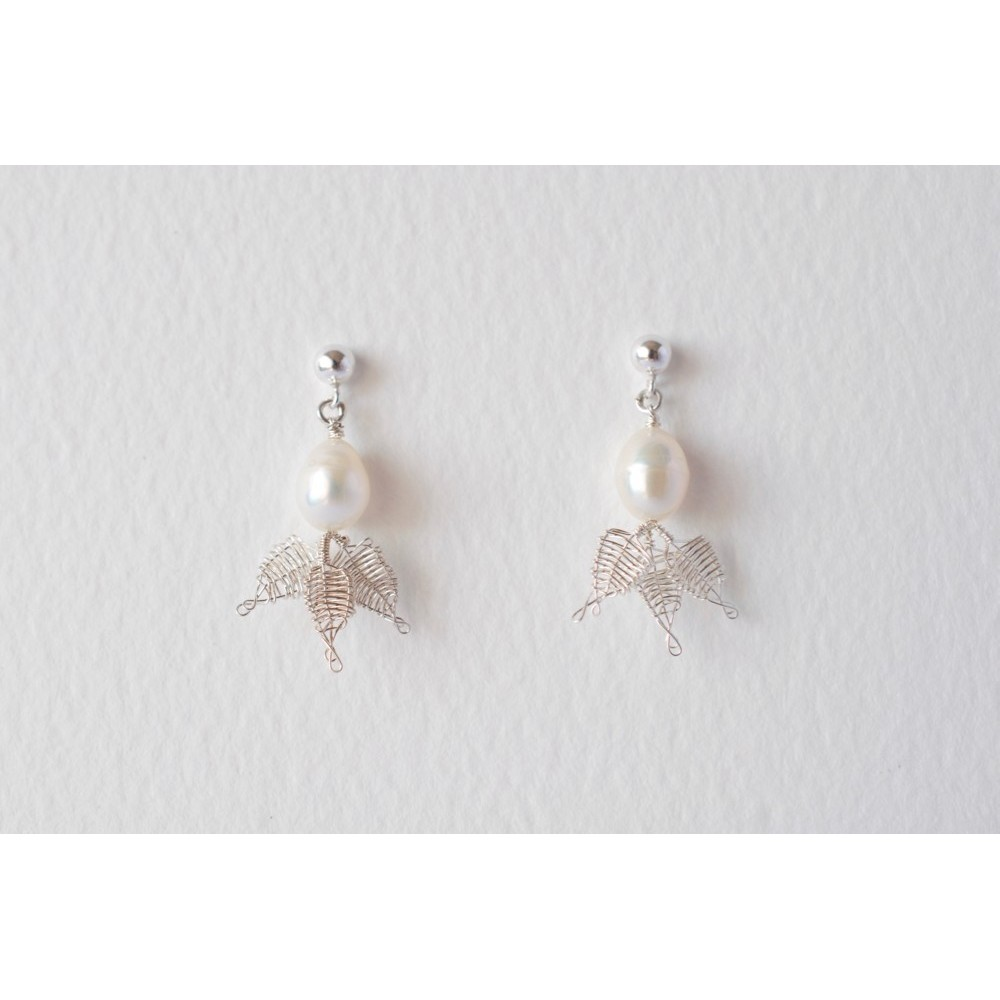 Little Lace White Pearl & Lace Leaves Earrings