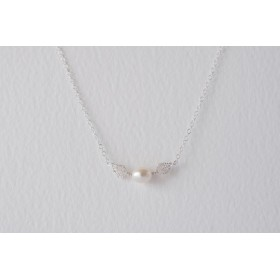 Little Lace White Pearl & Lace Leaves Necklace
