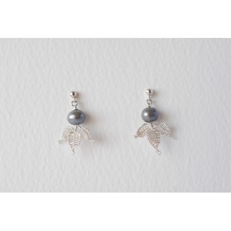 Little Lace Black Pearl & Lace Leaves Earrings