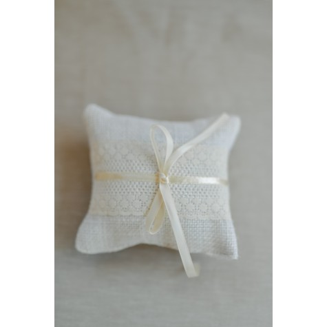 Little Lace Ivory Hessian Sophie Ring Pillow