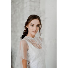 Little Lace Alexandra Shoulder Veil